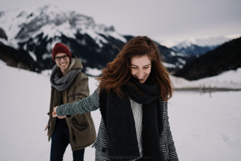 séance couple dans la neige la Forclaz